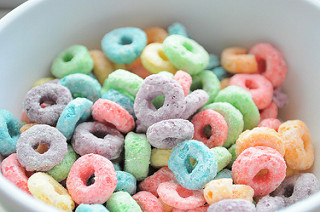 can dogs eat froot loops, can my dog eat froot loops, human food for dogs, human food good for dogs, human food bad for dogs, human food to feed dogs, human food dogs can have